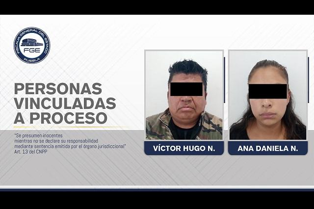 Madre y padrastro violan y asesinan a niña en Puebla
