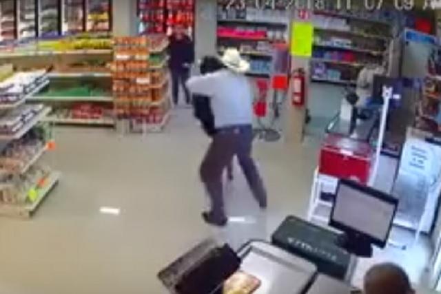 Vaquero frustra robo en Monterrey