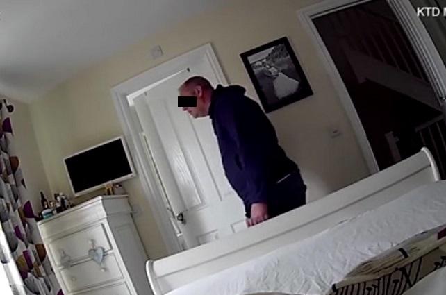 Con cámara mujer descubre que su vecino es un pervertido