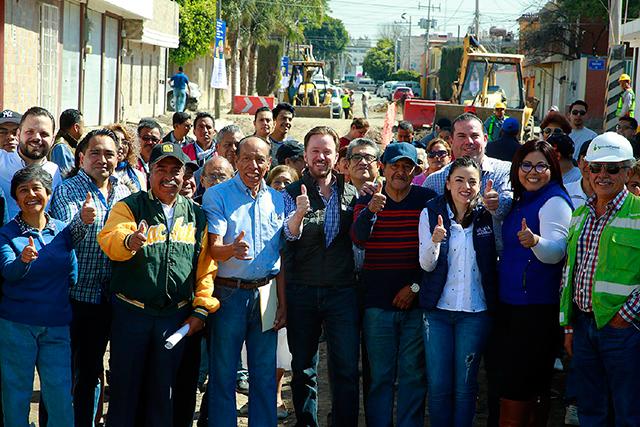 Banck arranca pavimentación de 4 vialidades en San Jerónimo Caleras