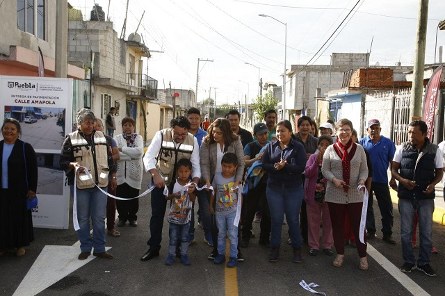 Gobierno municipal de Puebla pavimenta calle de La Resurrección