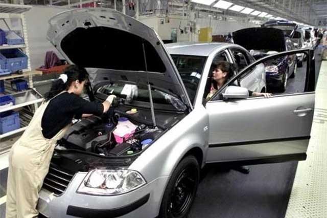 Profeco emite 3 alertas para revisar posibles fallas en vehículos Ford, VW y Jeep