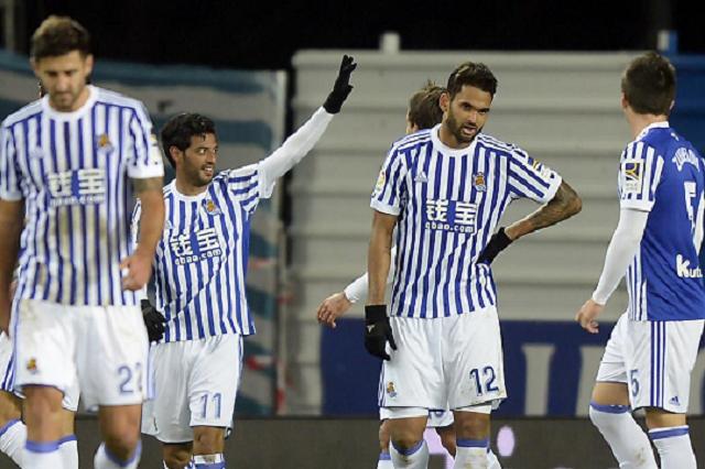 Con gol y victoria, Carlos Vela se despide de la Real Sociedad