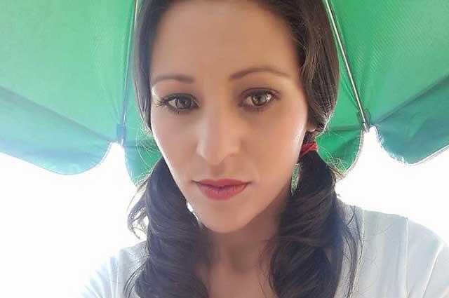 Atractiva y sexy vendedora de tacos sufre acoso: le tocan las pompas