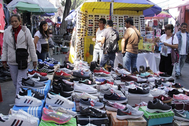 Entre abril y mayo reordenarían a ambulantes en Puebla