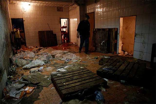 Al menos 10 muertos en Venezuela tras nuevas protestas y saqueos