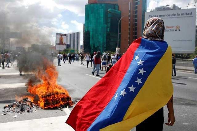 Ex asesor de Hugo Chávez prevé desenlace sangriento en Venezuela