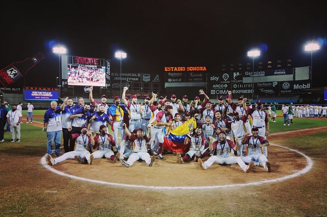 Venezuela le arrebata la corona a México en Mundial de Beisbol
