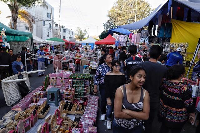 Ambulantes, prostitutas y delito estancan economía de Puebla