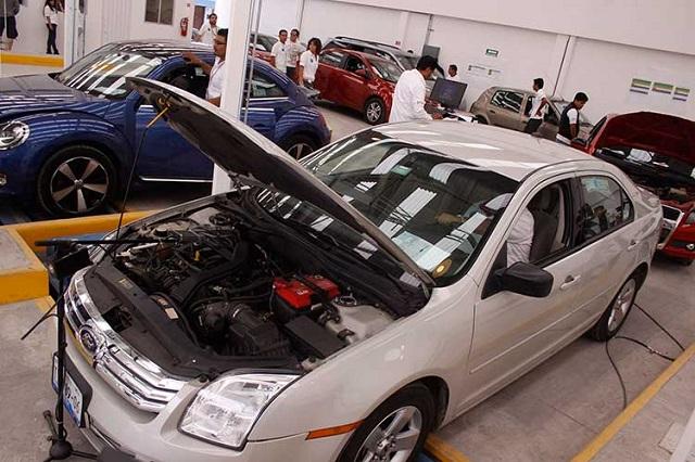 Acusan opacidad en dinero de verificación vehicular en Puebla