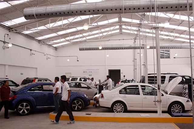 Multa Puebla con 1.5 millones a verificentros incumplidos