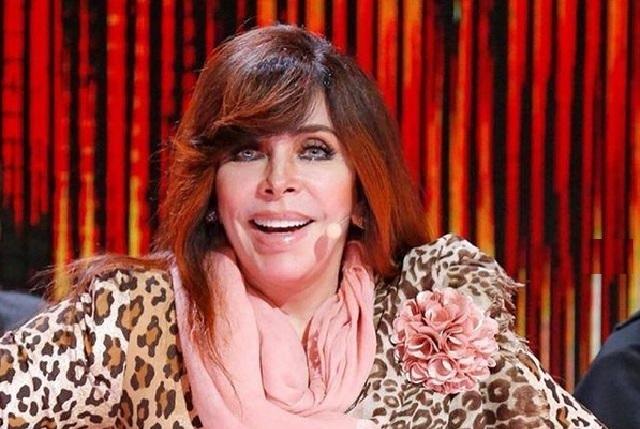 Así se veía Verónica Castro hace 50 años al lado de Chabelo