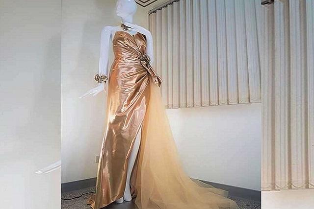 Taiwán exhibe el primer vestido de novia cubierto totalmente por oro