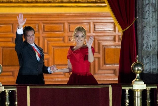 ¿Cuánto costó el vestido rojo de La Gaviota para noche del grito?
