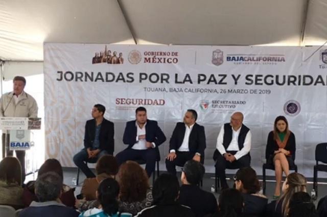 Gobernador de Baja California confunde a AMLO con Peña Nieto
