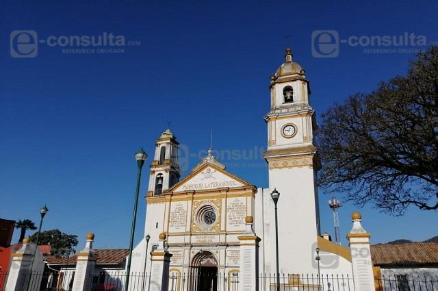 Reducen asistencia a misas y cancelan viacrucis en Zacapoaxtla