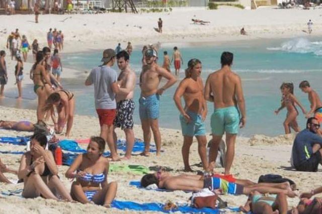 Alumnos de Tehuacán vuelven con Covid de Cancún