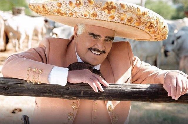 Vicente Fernández rechaza trasplante por temer que fuera de un gay