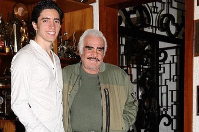 Vicente Fernández producirá disco de su nieto