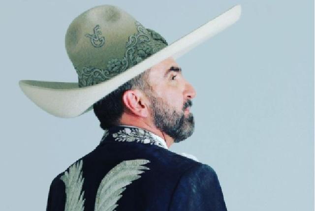 Reaparece Vicente Fernández Jr. y mira cómo luce
