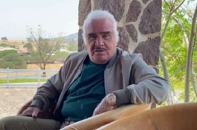 Hospitalizan a Vicente Fernández tras accidente en su rancho