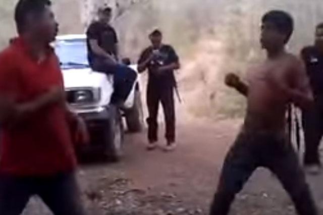 Narcos obligan a pelear a un hombre con un sicario antes de asesinarlo