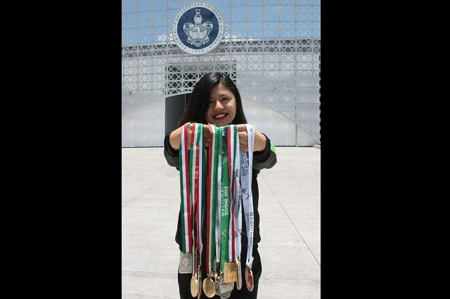 Estudiante de BUAP gana medalla de oro de kata en Ecuador