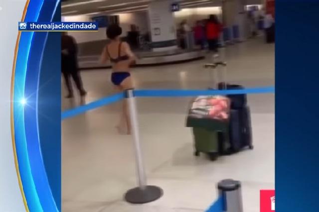 Video: Mujer causa revuelo en Aeropuerto tras caminar desnuda