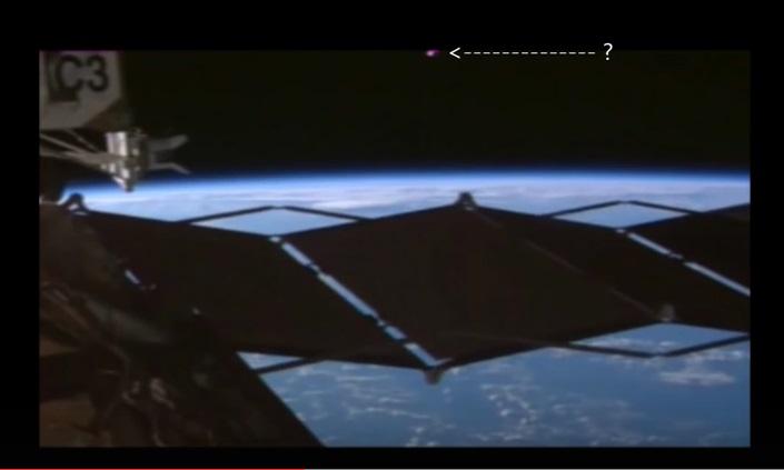 Cámara de la NASA capta un OVNI cerca de la estación espacial