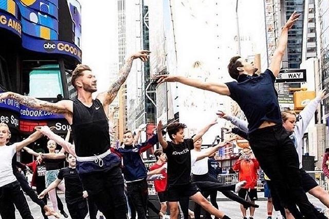 Video: 300 bailarines hacen presentación en apoyo al Príncipe George