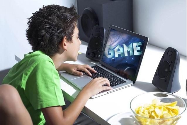 Más de 7 horas al día invierten adictos a videojuegos