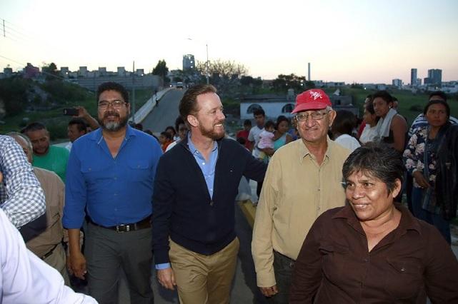 Gobierno municipal de Puebla y vecinos del sur supervisan cámaras