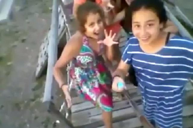 Que se pare el mundo: juego y caída de niñas de un puente se viraliza