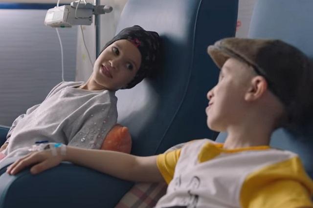 Dos niños con cáncer hablando de sus sueños, un video viral en YouTube