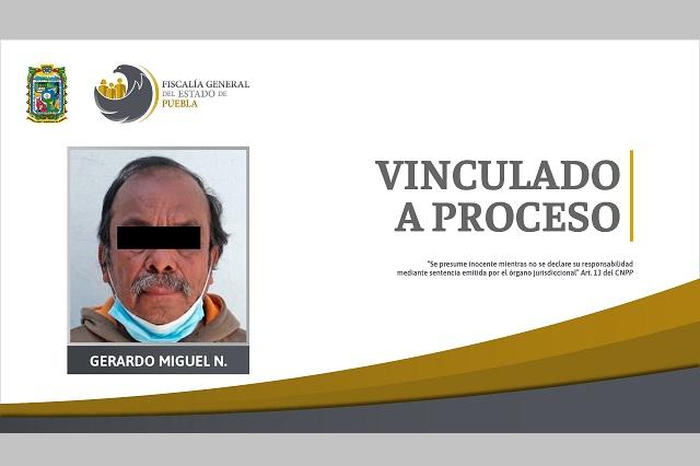 Hombre de 69 años está acusado de violar a su hija en Puebla