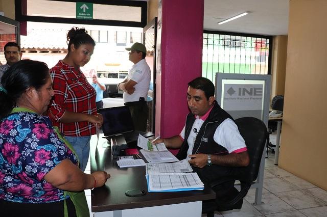 Llama INE a ciudadanos a revisar vigencia de su credencial