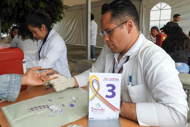 Busca BUAP prevenir VIH con campaña de detección oportuna