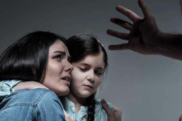 Reciben 12 llamadas diarias por violencia familiar en Tehuacán