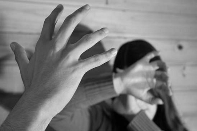 Vinculan a proceso a seis personas por violencia familiar y lesiones