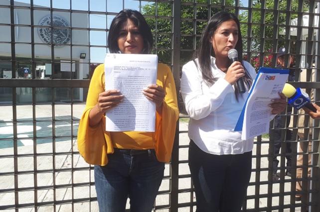 Ante PGR denuncian a Manzanilla y Espinosa por violencia de género