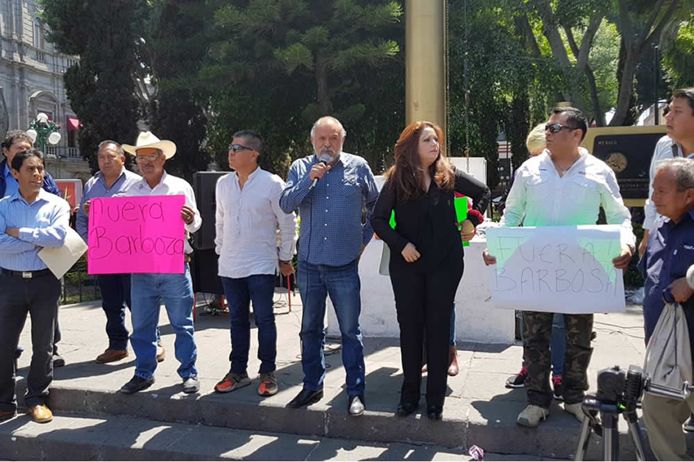 Arma Lagunes campaña contra Barbosa y acusa imposiciones