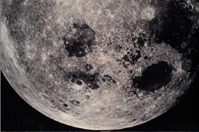 NASA estudiará presencia de agua en Polo Sur de la Luna