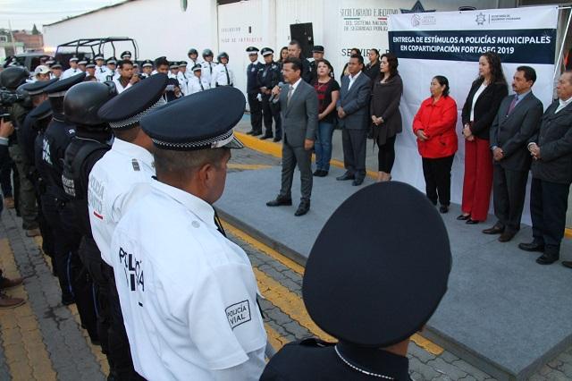 Apoyar a policías es vital para mejorar la seguridad pública: Arriaga
