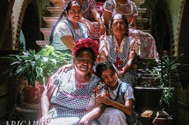 Vogue rinde homenaje a mujer Zapoteca, su sabiduría y pasión