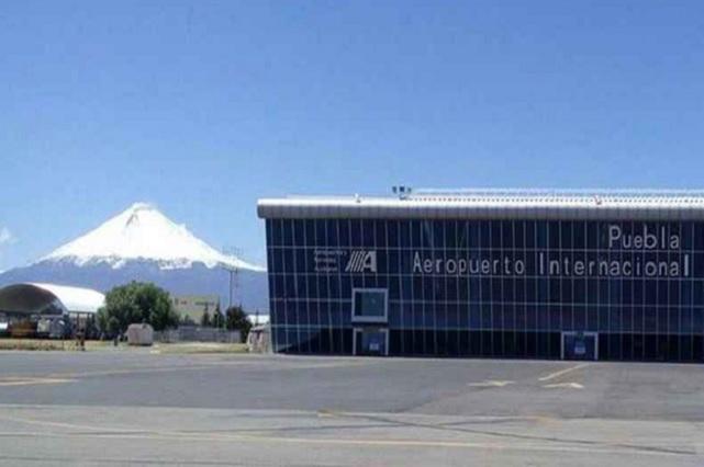 Suspende Volaris vuelos en Puebla y culpa a ceniza del Popo