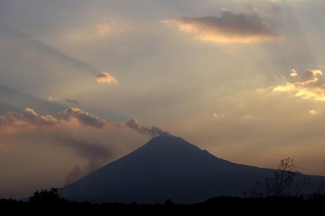 Comportamiento del volcán sin cambios notables: Protección Civil