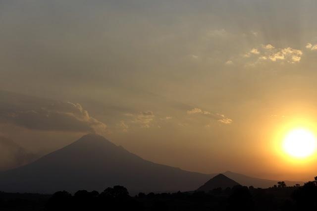 Moderada actividad del volcán, reporta Protección Civil estatal