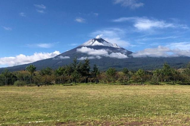 Mantiene el volcán actividad moderada en las últimas horas