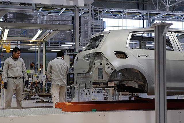 Espera gobierno estatal caída de producción en Volkswagen