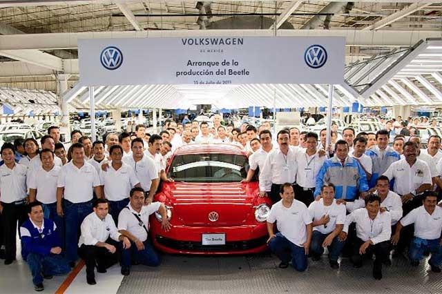 Despidos masivos en Volkswagen podrían alcanzar a planta poblana